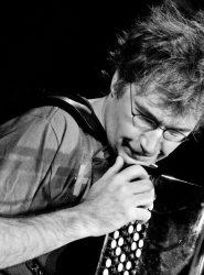 Музыкант Доктор Баян (Фото: Роман Екимов)